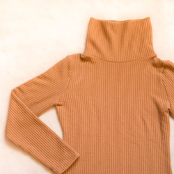sweter zimowy basic beżowy