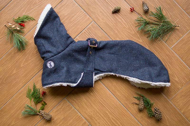 elegancki płaszcz dla charcika